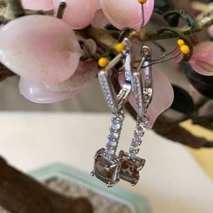 Vintage 925 alexandrite and CZ earring